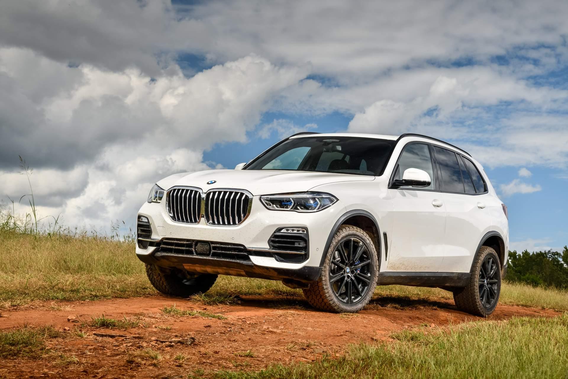 BMW Romania a primit deja 100 de comenzi ferme pentru noul X5. Primele exemplare ajung in tara in noiembrie