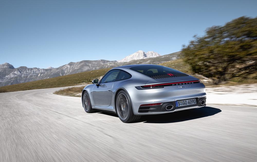Inovatii in designul caroseriei: mixul multi-material al noului Porsche 911