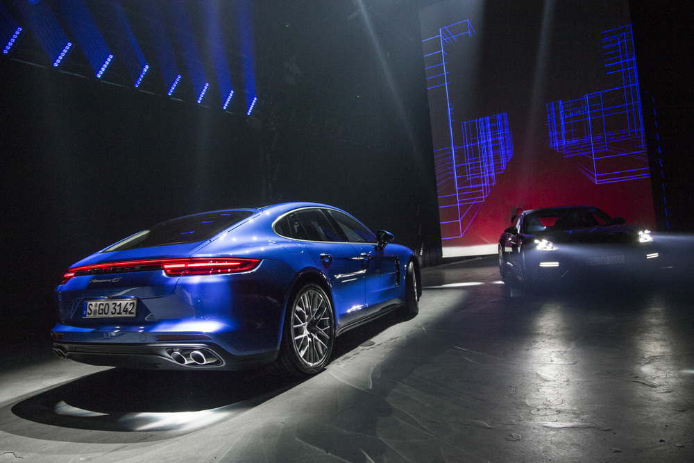 10 ani de Porsche Panamera: automobil sport, berlina de lux, pioner hibrid