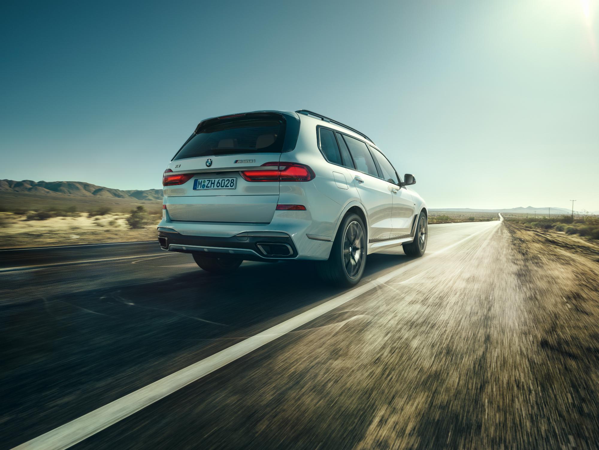 Varf de putere: noile BMW X5 M50i si BMW X7 M50i