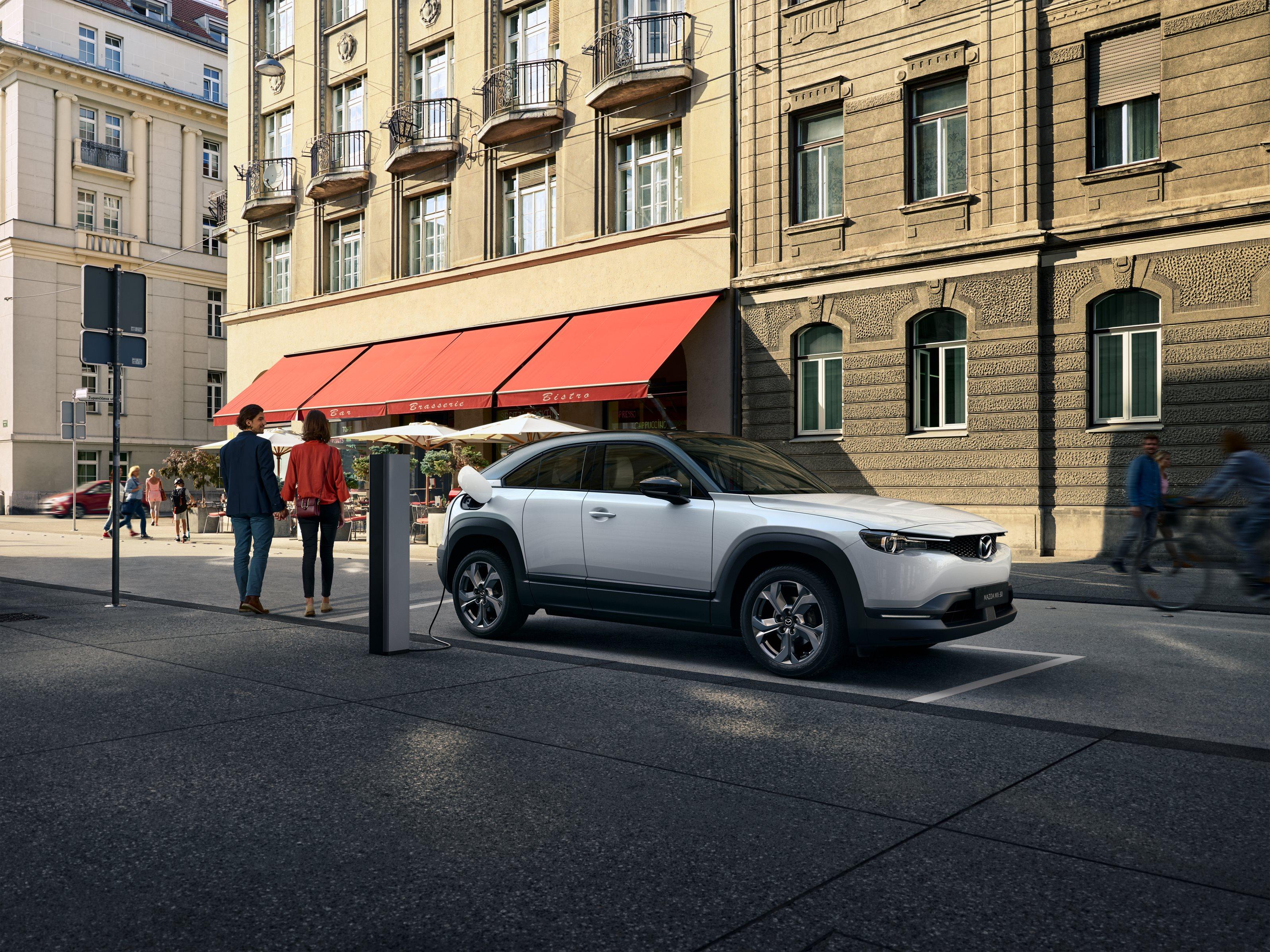 Mazda MX-30 – O masina electrica pentru mediu... si pentru sofer
