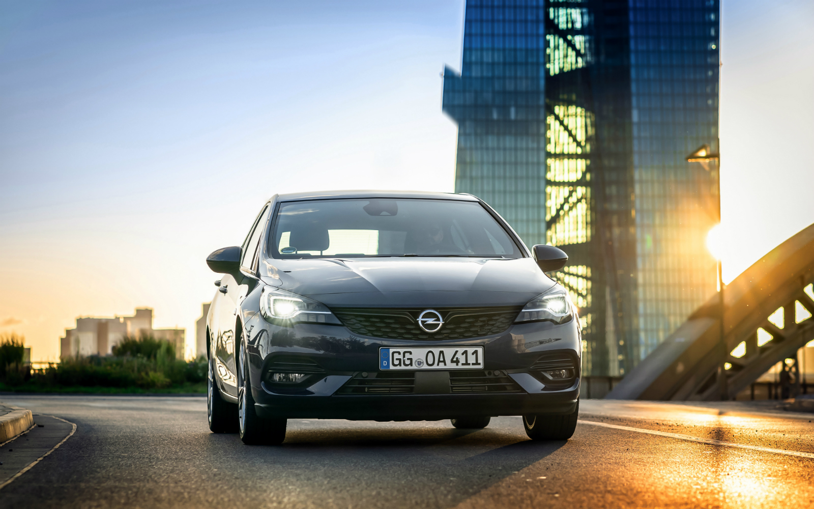 Să fie lumina: farurile inovatoare Opel lumineaza optim in orice situatie