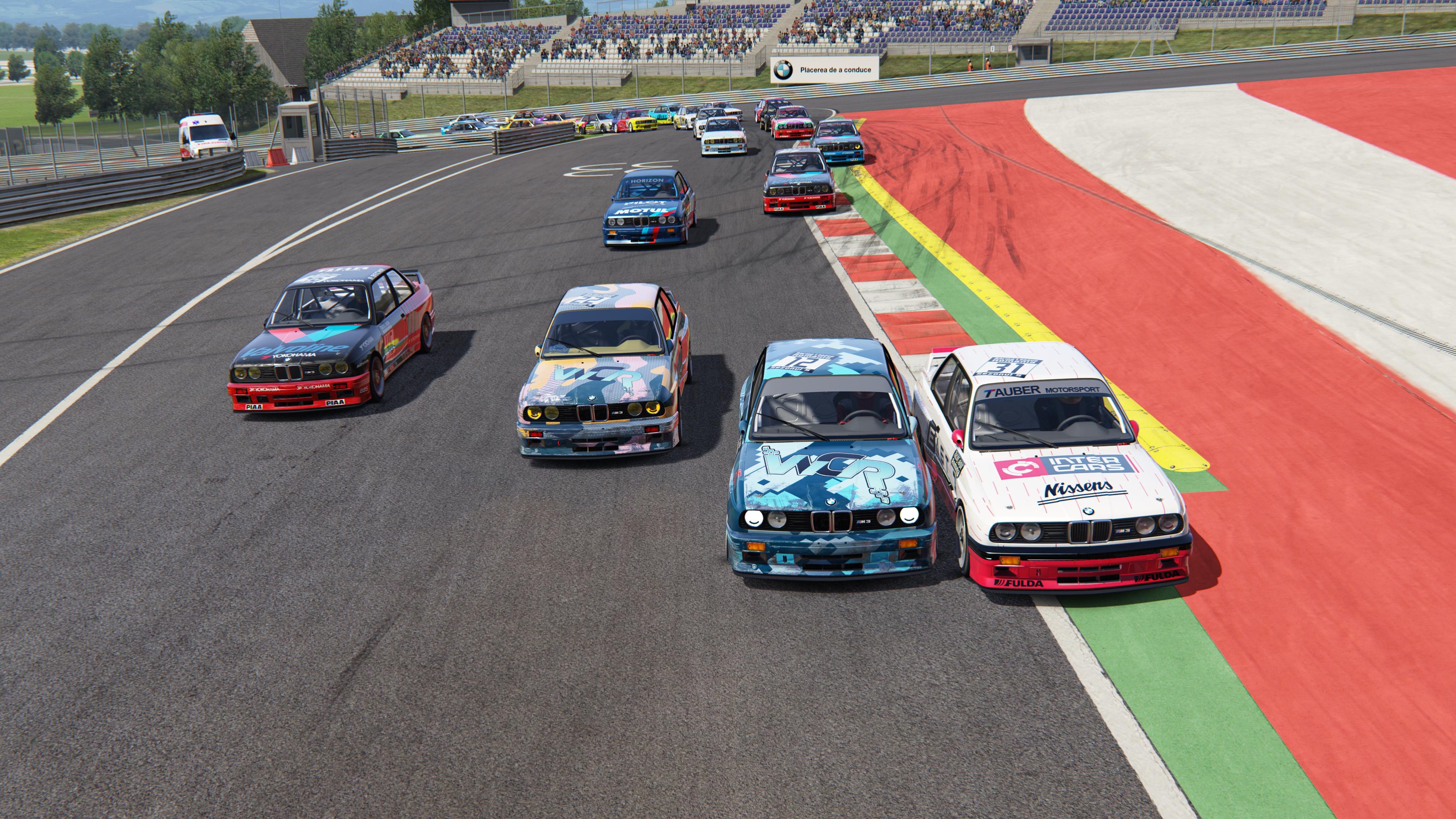 Racing League Romania debuteaza cu record de participare. Peste 80 de piloti inscrisi la cel mai mare campionat de sim racing din Romania
